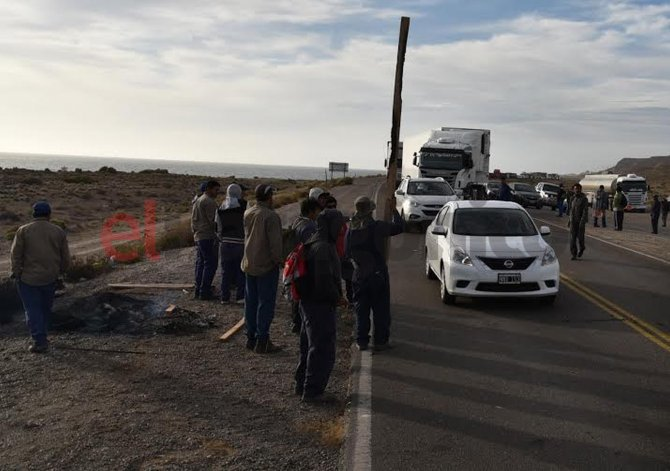 UOCRA levantó el corte de ruta en Santa Cruz