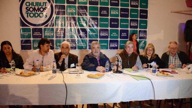 Chubut Somos Todos realizará su primer plenario tras la asunción de Mario Das Neves como gobernador.