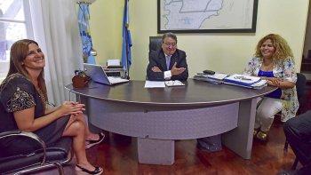 La ministro de Familia de la provincia, Leticia Huichaqueo, se reunió con la subsecretaria de Fortalecimiento Institucional de Nación.