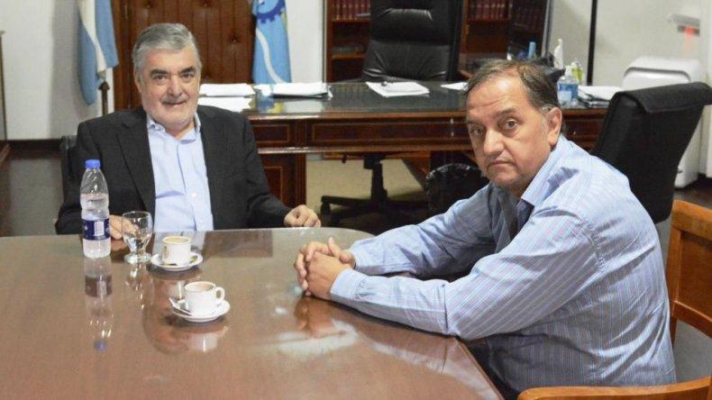 El gobernador Mario Das Neves y el intendente Carlos Linares avanzaron ayer en la definición de obras prioritarias para la ciudad.