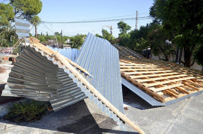 La tormenta derrumbó techos en la capital cordobesa.