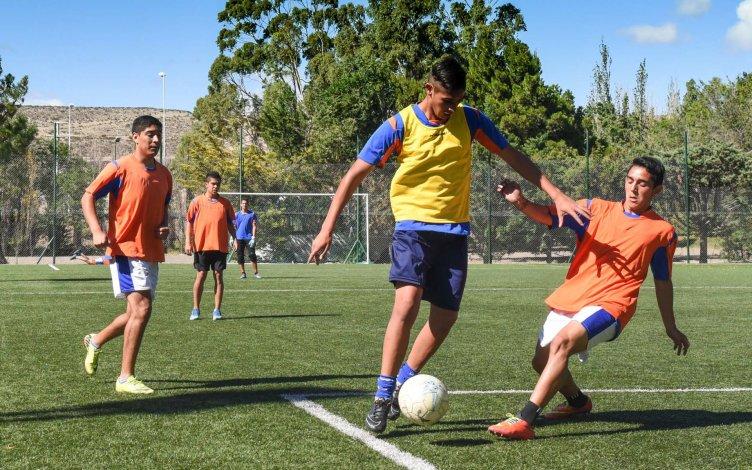 El plantel de la CAI alterna sus prácticas entre el complejo deportivo La Mata y la cancha de USMA.