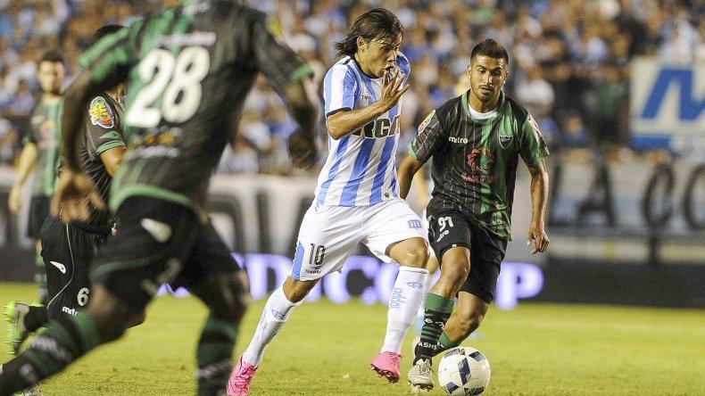 El paraguayo Oscar Romero viene de marcarle un golazo a San Martín.