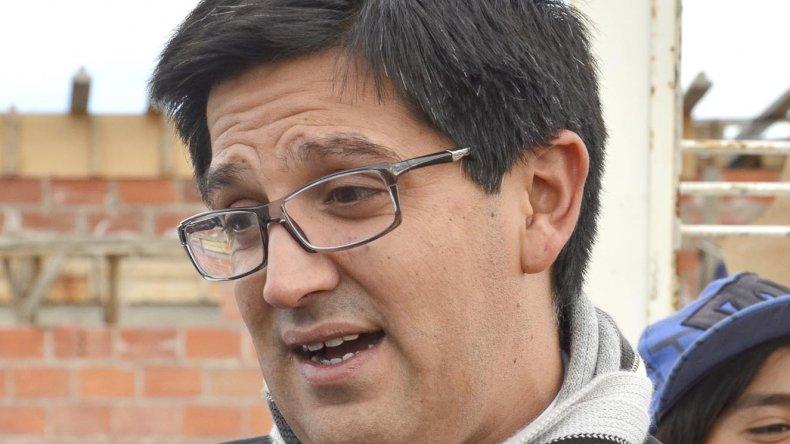 El fiscal Martín Cárcamo trabaja en la investigación que trata de identificar a los tres policías que supuestamente torturaron a un joven de 18 años.