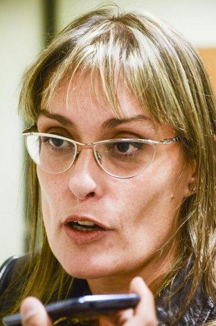 La fiscal Cecilia Codina aseguró que cuenta con elementos para esclarecer cómo se produjo el hecho. Se negó a tomarle declaración a la novia del oficial