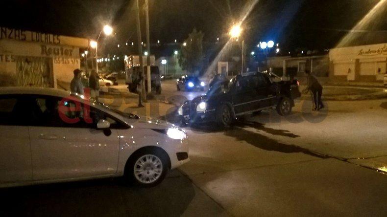 Su camioneta se atascó en un pozo y cuestiona a la Cooperativa