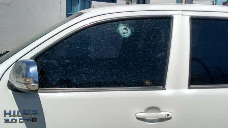 La camioneta del presidente de la SCPL fue baleada por desconocidos. El proyectil ingresó por el vidrio del lateral izquierdo del rodado