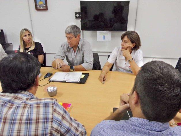 En el Concejo Deliberante se volvieron a reunir ayer por la crisis que atraviesa el sector de pediatría en Comodoro Rivadavia.