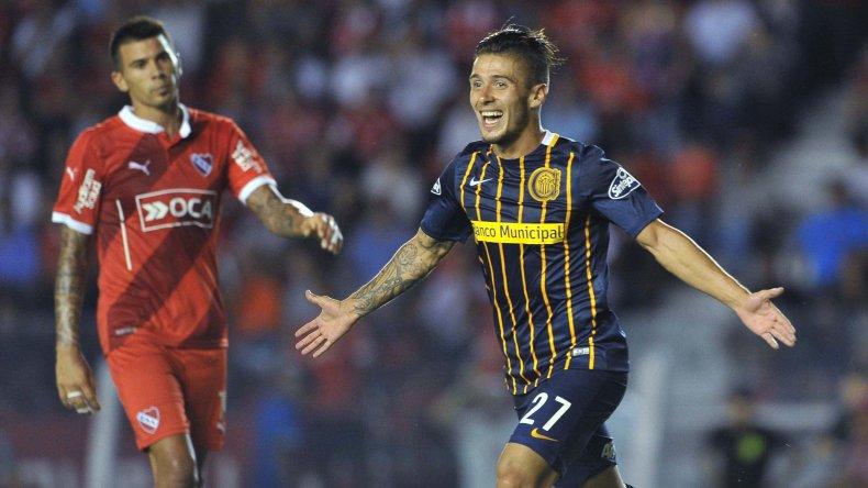 Jonás Aguirre festeja su gol