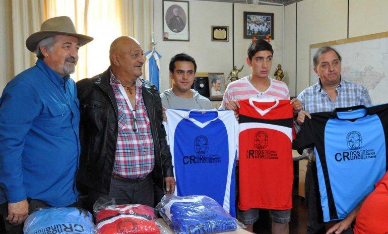 Autoridades y representantes de la Liga de los Barrios de Comodoro Rivadavia