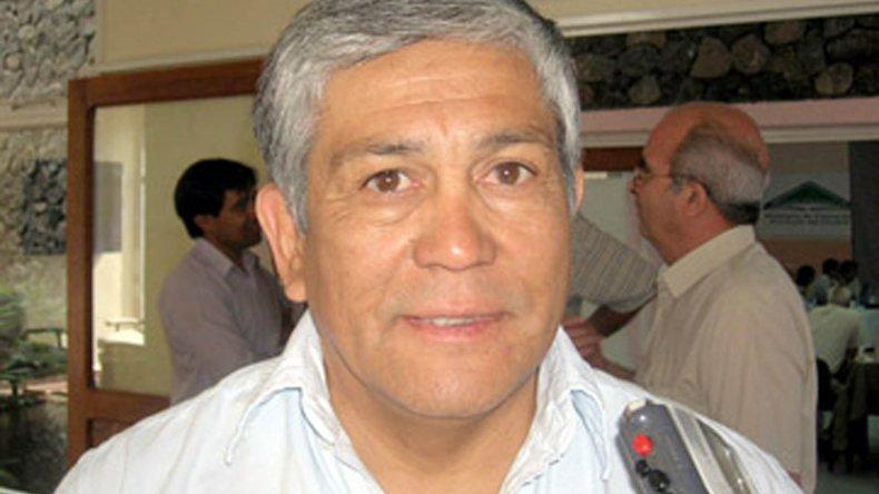 Oscar Currilen llamó la atención sobre las carencias que tendrá el hospital que inaugurarán en su localidad.