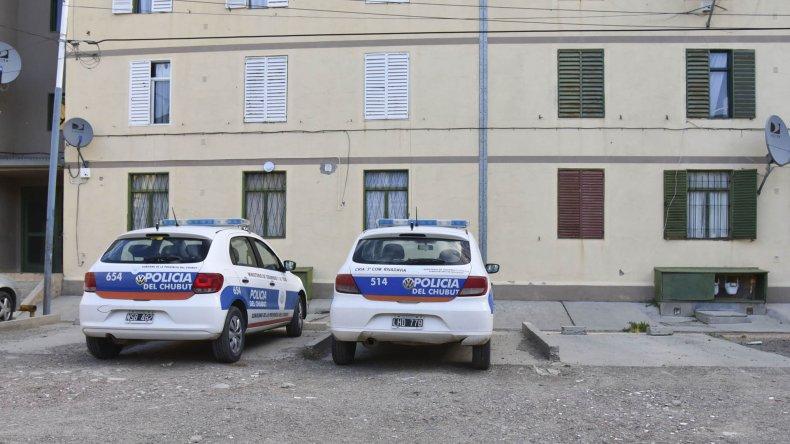 La policía incautó dos revólveres en el departamento donde reside Carlos Altuna en las 232 Viviendas.