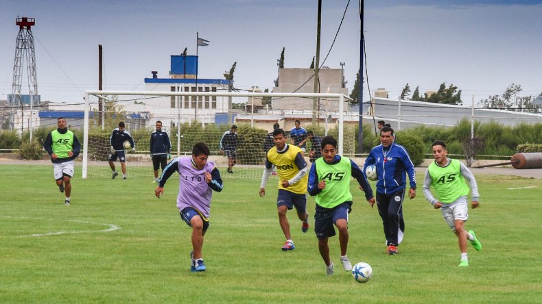 Jorge Newbery juega una carta vital en su casa ante un rival que viene de golear.