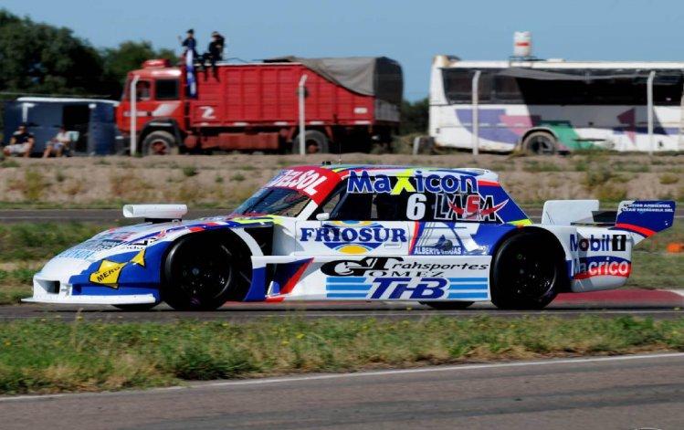 El Ford de Marcelo Agrelo que ayer se ubicó segundo en la clasificación provisoria del TC Pista en Viedma.