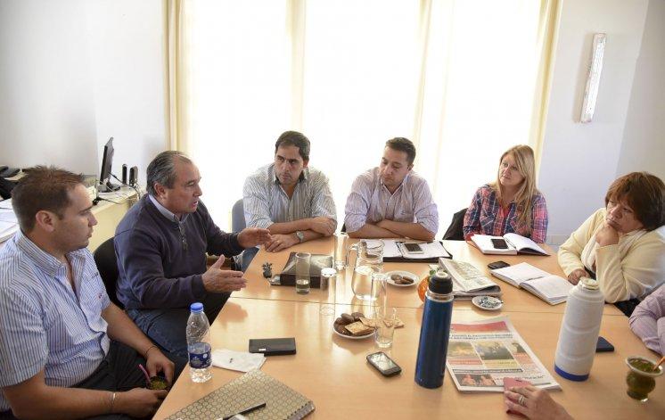 La CGT y la CTA compartieron con los ediles del FPV su preocupación y visión crítica del camino elegido por el nuevo gobierno nacional.