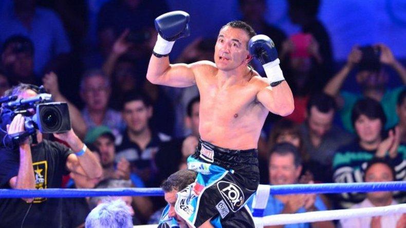 Narváez derrotó al venezolano Vargas y obtuvo título gallo de la FIB