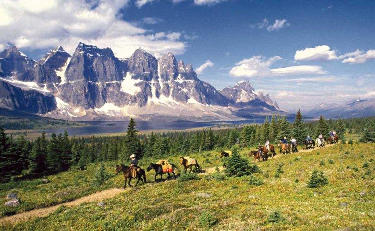 Este espacio natural fue declarado Patrimonio de la Humanidad gracias a sus impresionantes paisajes y la flora y fauna que habita en sus límites.