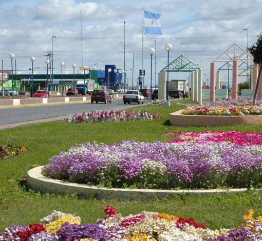 La ciudad de Río Grande es denominada comúnmente la Ciudad Jardín y una muestra de ello es la cantidad de flores que adornan plazas y bulevares.