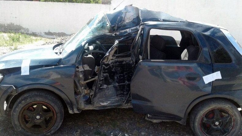 Alexis Lorenzo falleció ayer cuando su Chevrolet Corsa se estrelló contra un poste de energía eléctrica en la entrada al casco urbano de Río Mayo.