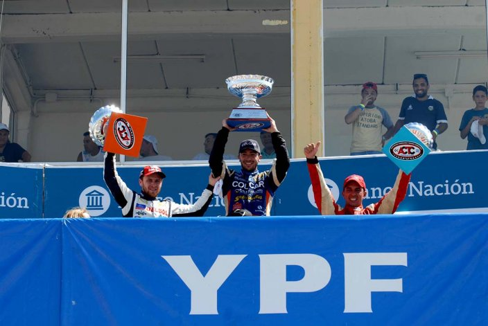 El podio del TC Pista con Agrelo –izquierda– Ruggiero –centro– y Bruno.