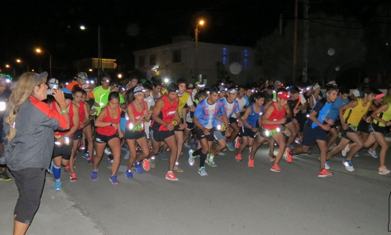Unas 100 parejas se dieron cita a la Rada Tilly Night Race.