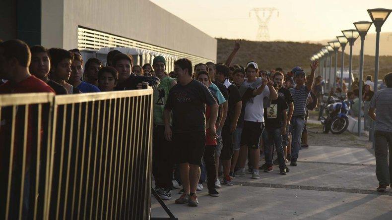 Las largas filas para entrar a los festejos caracterizaron toda la jornada de ayer.