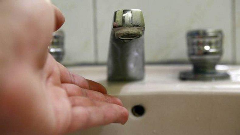 Otro corte de agua afecta a 16 barrios de la ciudad