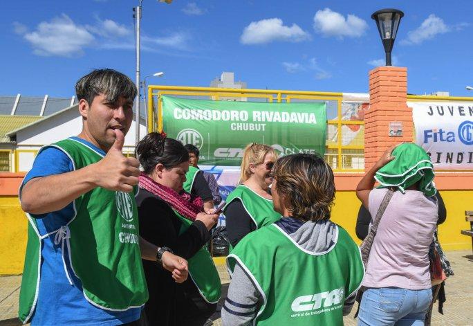 En Comodoro también hubo manifestaciones en contra de la desocupación promovida por el gobierno de Macri