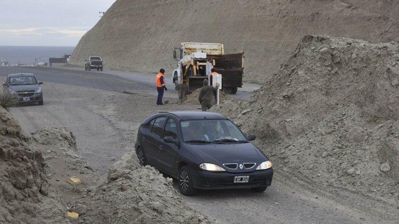Señalizan peligrosos accesos  al inconcluso puente derivador