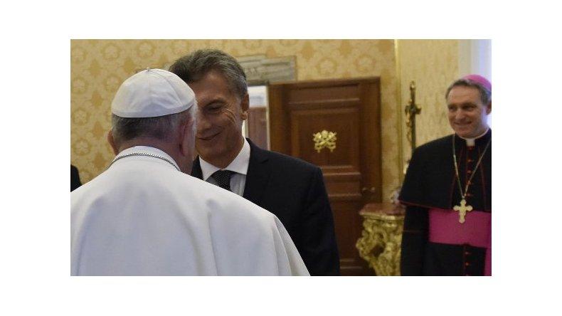Macri invitó al Papa a la Argentina
