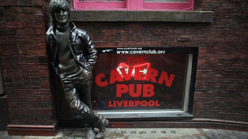 Se pueden encontrar tributos a la prestigiosa banda los Beatles prácticamente en cada rincón de la ciudad.