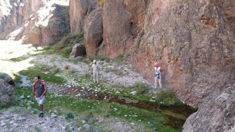 Cueva de las Manos y Alero de Charcamata