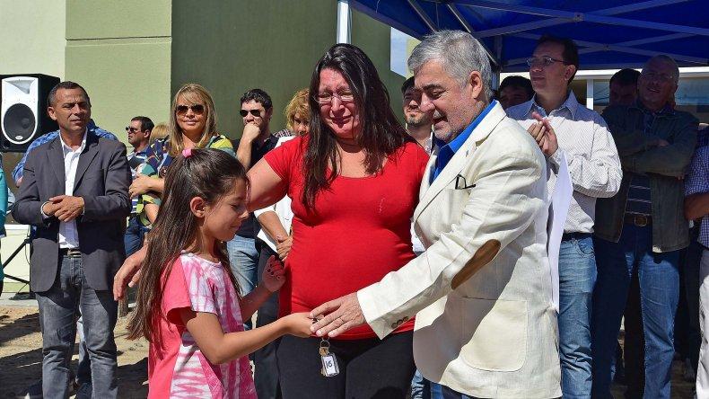 Das Neves se comprometió a entregar 200 viviendas por mes en Chubut