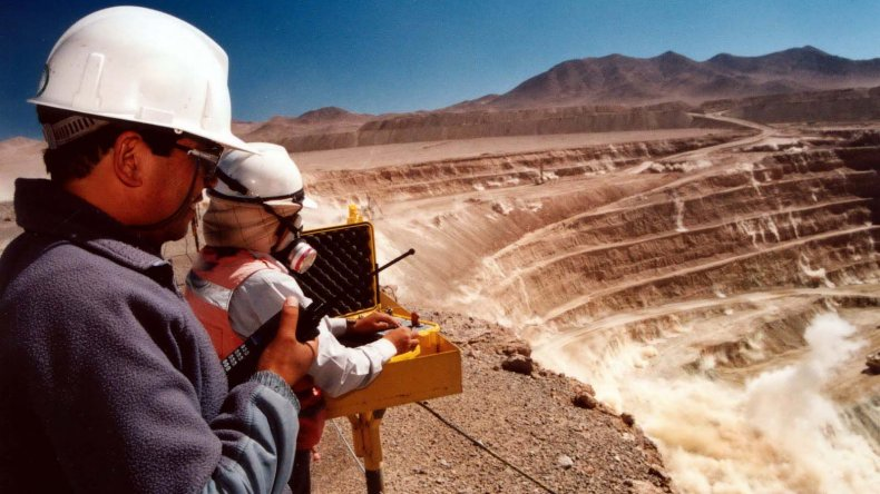 Das Neves afirmó que los ciudadanos decidirán si habrá minería en Chubut