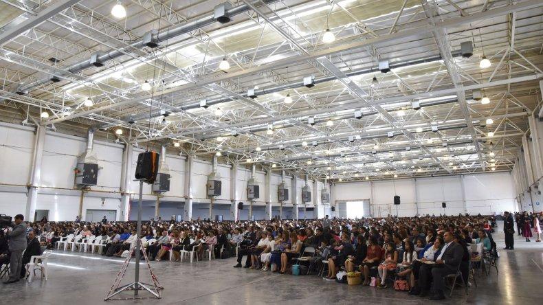 La primera Asamblea de Circuito de los Testigos de Jehová reunió a más de 2.000 personas.