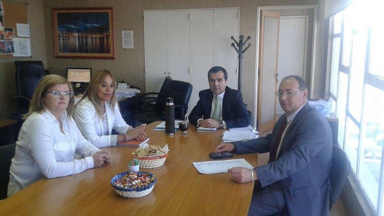Contreras y Cejas  se reunieron con  referentes de la  SCPL por las tarifas