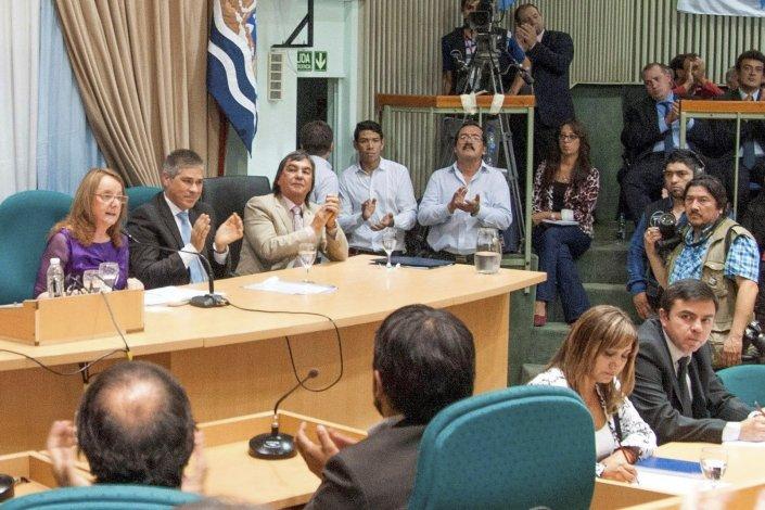 Referentes de distintos sectores políticos de la provincia evaluaron el discurso que pronunció la gobernadora Alicia Kirchner en la apertura del período de sesiones ordinarias de la Legislatura.