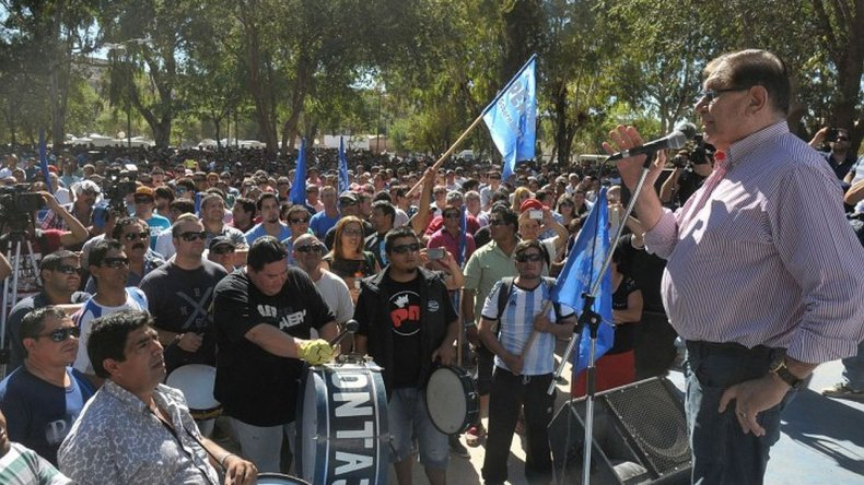 Pereyra denunció la baja de 56 equipos en Neuquén