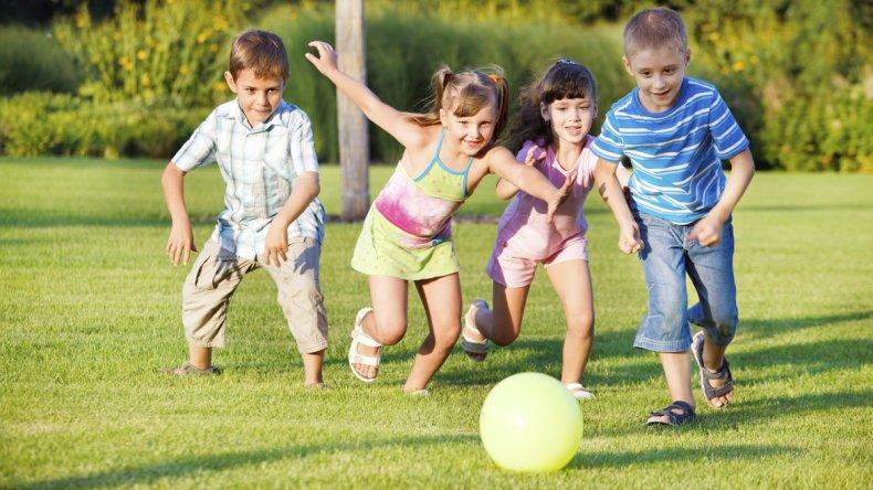 Actividad física en niños y adolescentes:  acorde a su edad y etapa evolutiva