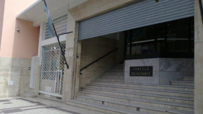 Becados de la Municipalidad se manifestaron en el Concejo