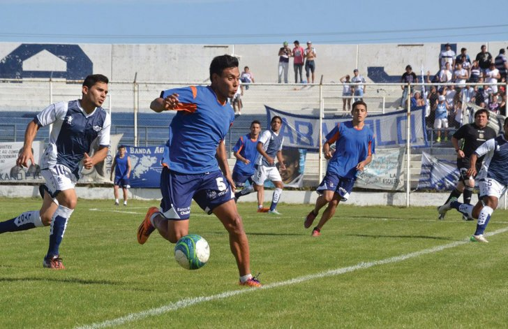 La CAI y Jorge Newbery abrirán esta tarde el nuevo campeonato de la división A del fútbol de Comodoro Rivadavia.