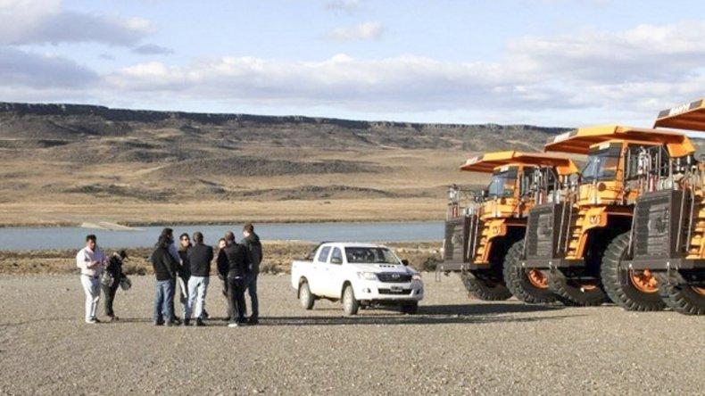 Hace pocos días una comisión de funcionarios provinciales visitó obradores de las represas y constataron el alistamiento de maquinaria.