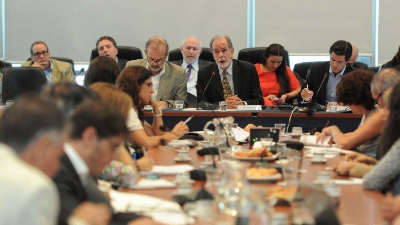 ■Economistas detallaron el acuerdo firmado entre Argentina y los holdouts.