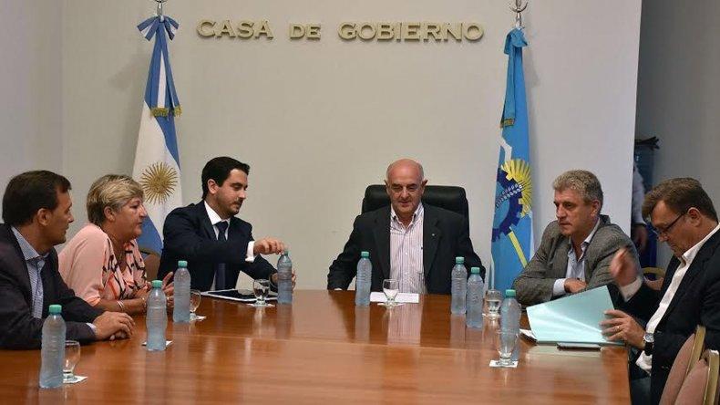 La comisión de reforma de la Constitución que encabeza Rafael Williams tuvo ayer su primera reunión con el PJ.