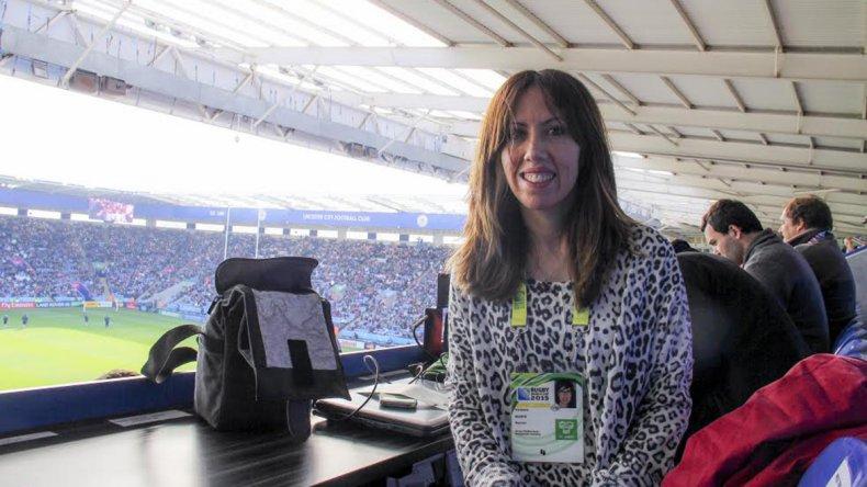 Verónica Rearte lidera el programa radial Rompiendo Guindas.