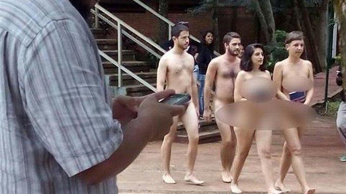 Estudiantes se pasearon desnudos por una universidad