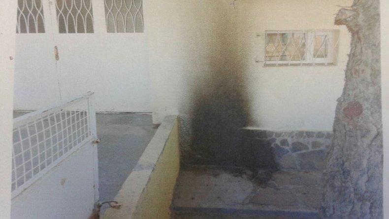 Me tiraron una molotov frente a mi casa, denunció el gerente de Saneamiento