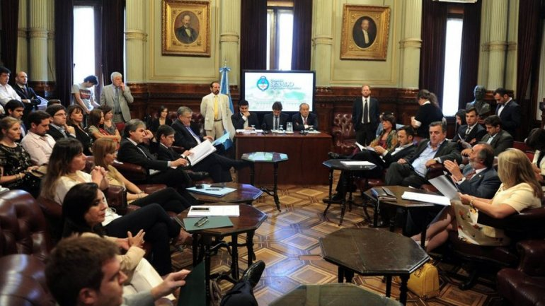 Rechazaron el decreto de Mauricio Macri sobre Ganancias