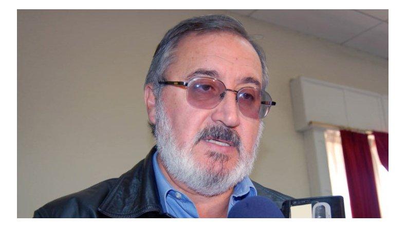 La UCR defiende a Barneche y critica a Michetti