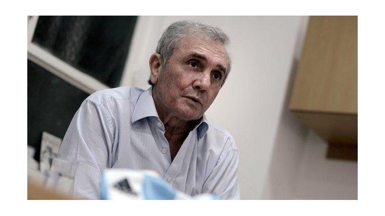Roberto Perfumo, se cayó de una escalera y está grave